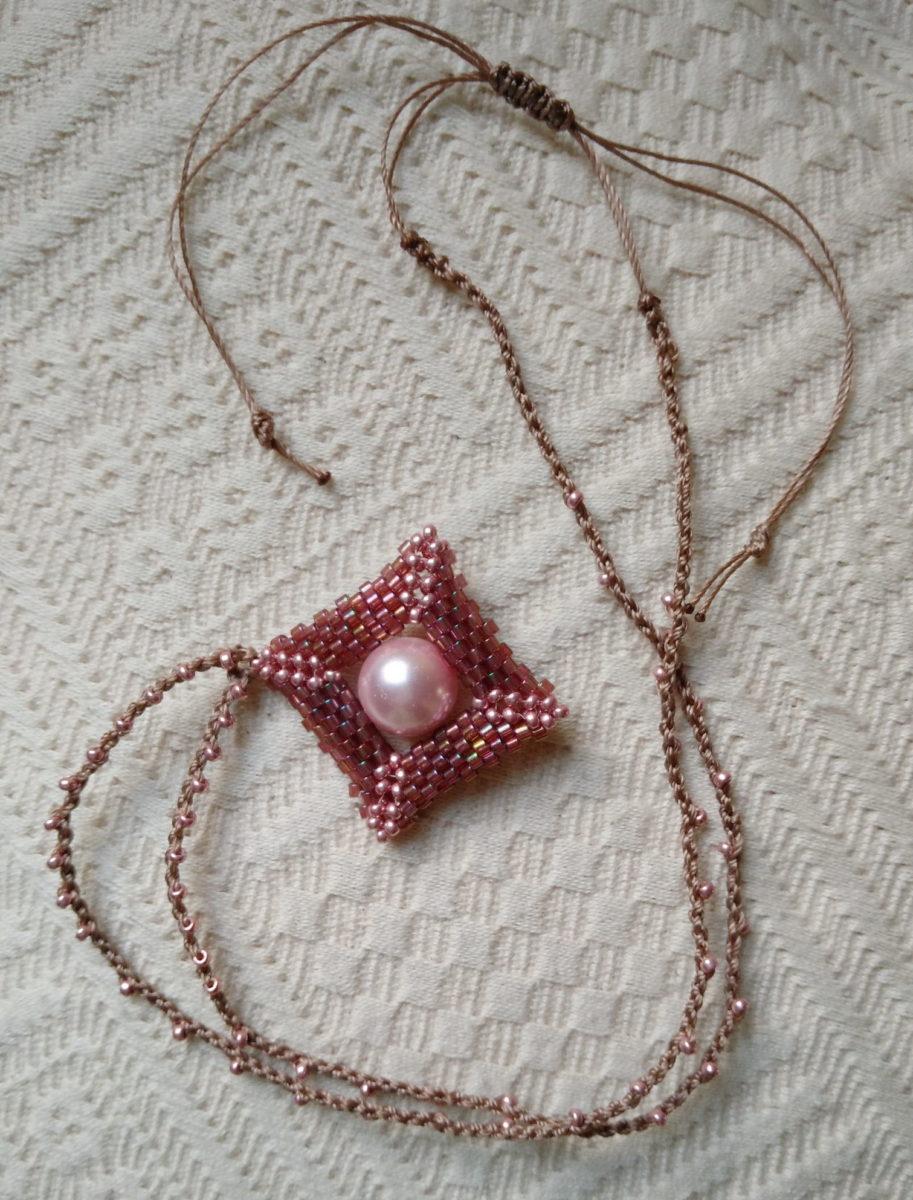 Kvaratura kruga gajtan za ogrlicu