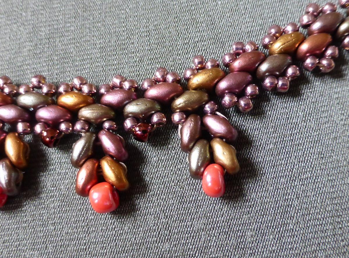 Detalj Puntilla ogrlice